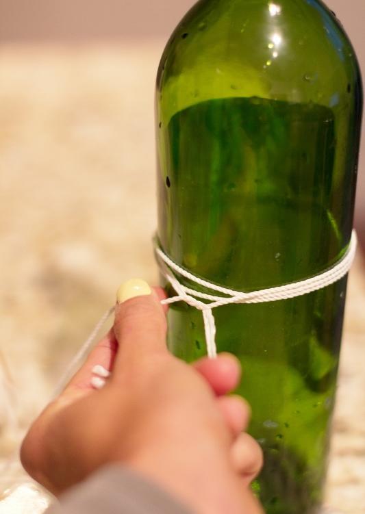 Mẹo hay để cắt chai thủy tinh làm bình hoa