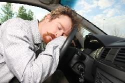 Làm gì để luôn tỉnh táo khi lái xe?