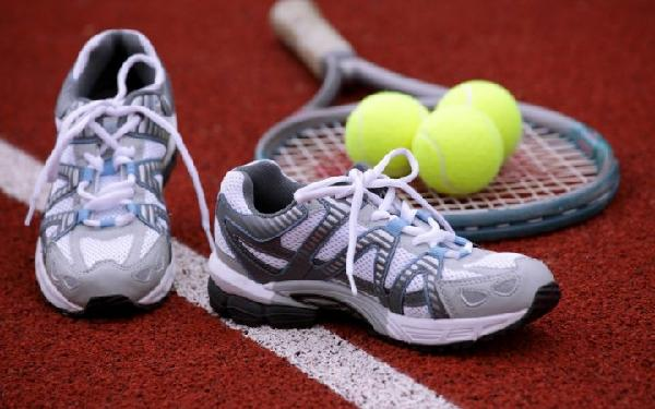 giay-the--thao-choi-tennis-hoiamthuc.vn-1479282009538.jpeg