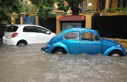 Bí quyết tránh mua phải ô tô bị ngập nước